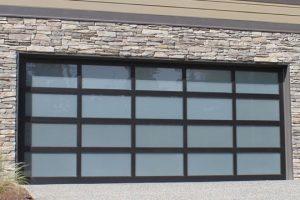 27 – Solaris Residential Garage Door (7200)